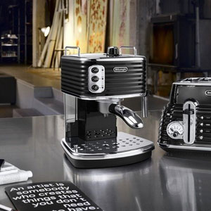 DeLonghi ECZ351 Scultura Traditional Pump Espresso Machine